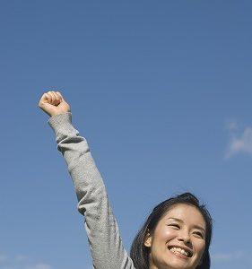自己肯定感が低い女性の特徴とその改善策について