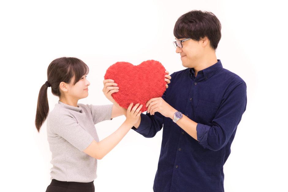 相手との親近感を深めたいとき【役立つ日常の心理学テクニック ...